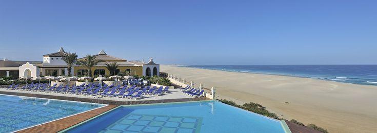 L'hôtel IBEROSTAR Club Boa Vista est un hôtel-club 5 étoiles au Cap Vert en formule Tout Inclus, qui se trouve au bord de la magnifique plage de Chaves, au Cap Vert. Situé dans un cadre d'une beauté inégalable