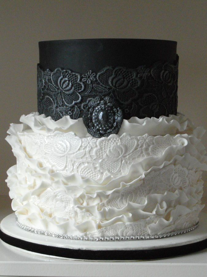 Black and White Lace Wedding Cake ~ all edible   Cakes and ...