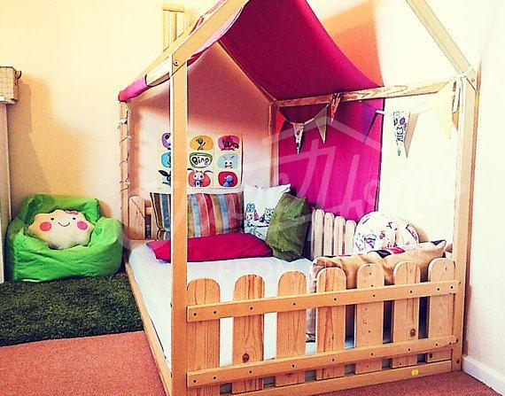 die besten 25 montessori bett ideen auf pinterest kinderbett nach montessori kinderbett haus. Black Bedroom Furniture Sets. Home Design Ideas
