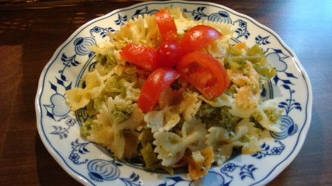 Těstoviny s brokolicí a sýrovou omáčkou - Powered by @ultimaterecipe