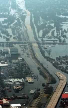pin images of 2,000 personas flotando en un lago | Huracanes tornados destrozos fotos imagenes fenomenos climaticos rayos ...