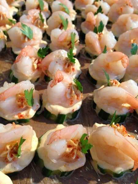 Yum! How cute and delicious are these #wedding hors d'oeuvres? {Truly Yours Catering}