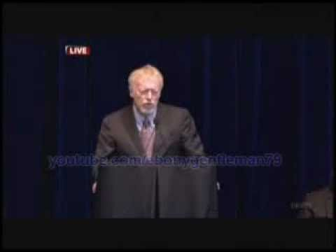 Nike CEO Phil Knight speech at Joe Paterno's Memorial - One of the best speech's I have ever heard