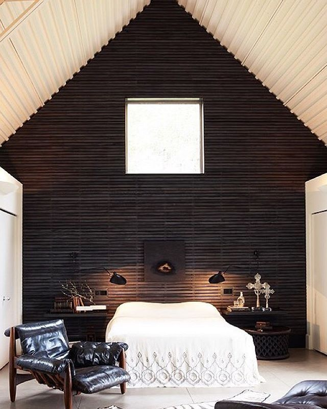 Cue the jaw-drop!!  Tap the link in our profile to check out 6 more beyond-gorgeous black rooms that will make you rethink those white walls. [Design by: @erinmartindesign,  by: @marionbrenner]