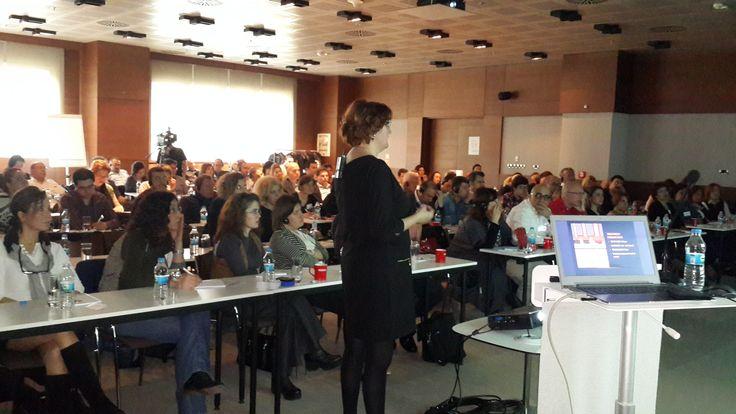 Dr Jasmina Kozarev drzi predavanje na temu Fotona lasera u Istanbulu 2015/ Dr Jasmina Kozarev teaches about Fotona lasers appliance in Istanbul 2015