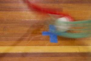 Czy istnieje sposób na zaangażowanie wszystkich uczniów grających w unihokeja? W szkole podstawowej w Boczowie do gry włączana jest... druga piłka! Jak wygląda rozgrywka w tej formie i co z sobą niesie, przeczytacie na ich blogu. http://blogiceo.nq.pl/spboczow/2014/01/16/unihokej-na-dwie-pilki/
