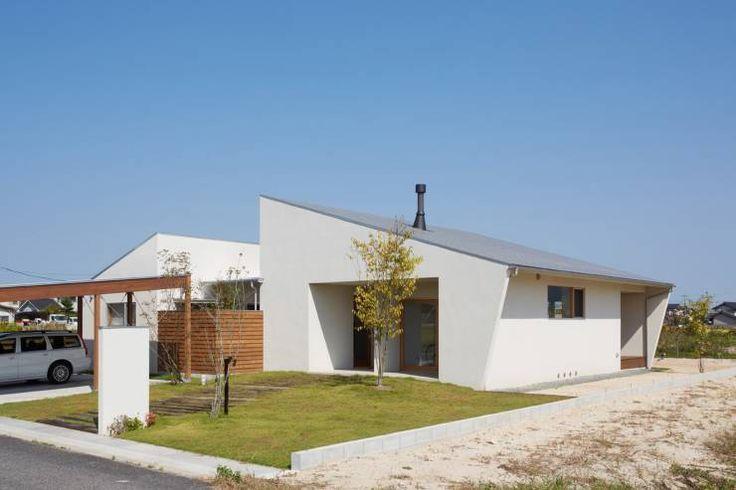 ダイチノイエ: 土岐建築デザイン事務所が手掛けたモダン家です。