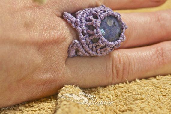 Lily macrame ring with quartz stone by Splatane on Etsy, €6.00