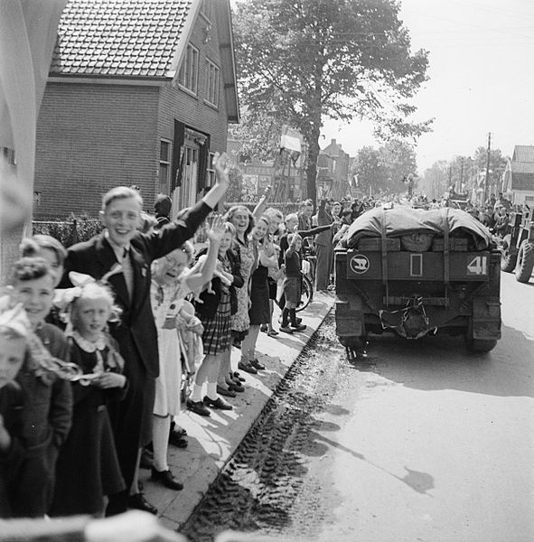 The Netherlands: Liberation Day is the day when the end of World War II is celebrated. In the Netherlands, the date May 5 arrested, because the German army in the Netherlands on 5 May 1945 would have capitulated. (Photo: Entrance of Canadian soldiers in the city of Utrecht in 1945).