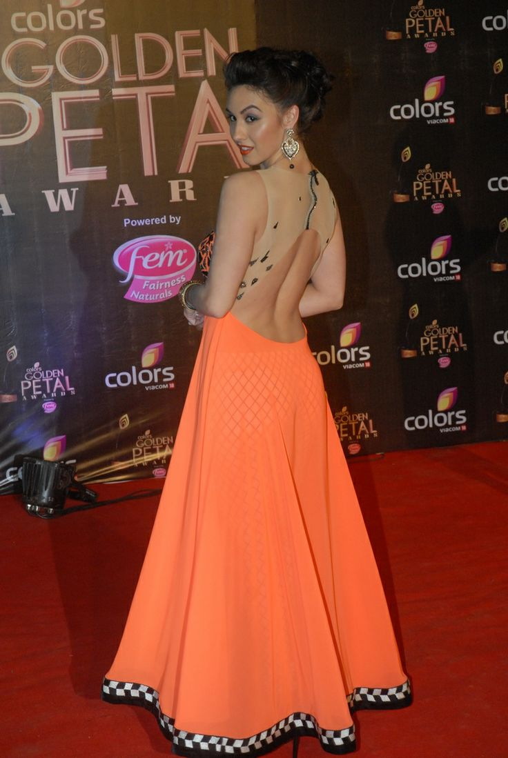 Lauren Gottlieb struck a coy pose at the third edition of the Colors Golden Petal Awards. #Fashion #Style #Bollywood #Beauty