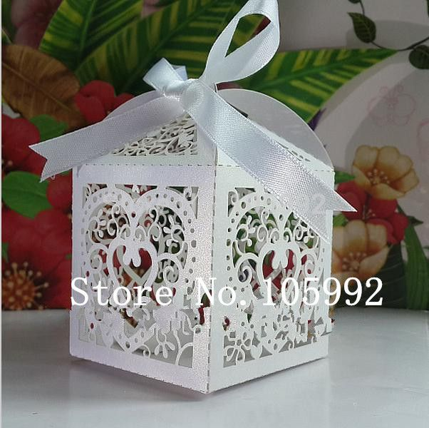 Сердце любви Лазерная Резка Конфеты Подарочные Коробки, Свадьбы Пользу коробки, сердце свадьба коробка, партия коробка конфет белая лента была сокращена