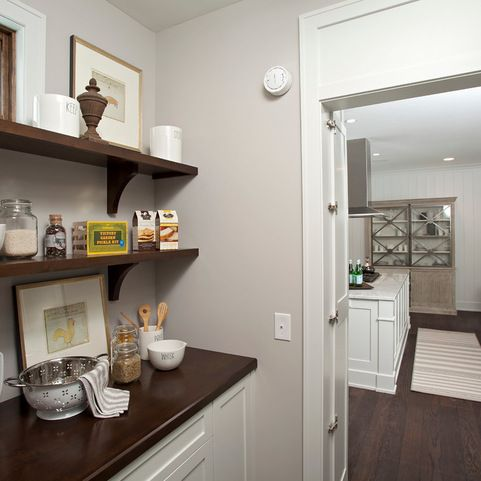 The Wall Color Is Benjamin Moore Apparition 860