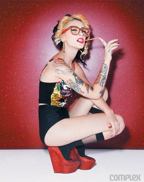 #pinup #heels #glasses