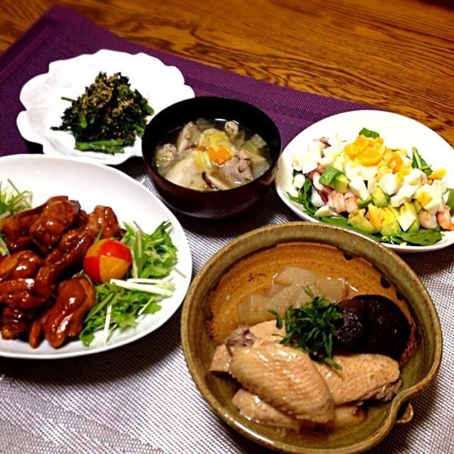 今夜は7人で賑やかに食卓を囲みました。✨✨✨ - 138件のもぐもぐ - 春菊の胡麻和え・けんちん汁・アボタコエビタマゴのルッコラサラダ・大根と手羽先のスープ煮・煎り鶏 by madammay