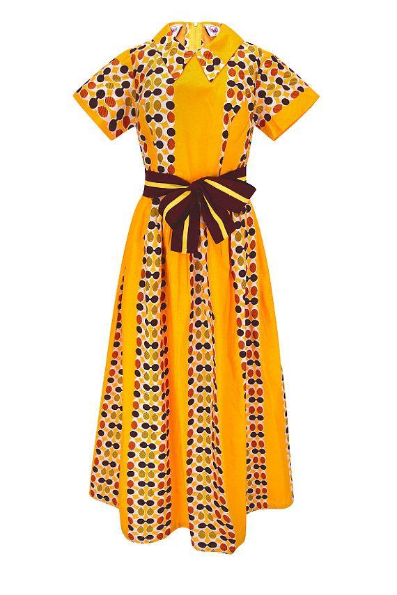 Yalina(YTC), Ankara Maxi dress, robe de Dame, robe oversize, robe longue  Une robe de rêve  La robe est absolument magnifique et à la mode. Excellent matériel et ajustement.un rêve pour chaque fête ou soirée d'été. Cette belle robe est fait à la main (aucune production en série!) avec africain vibrant de cire impression.  nourris Zip à l'arrière  La robe a été fait à la main en Afrique centrale par l'équipe de Yalinatradecompany Schneider. C'est éthique grâce à notre sélection d'africain…