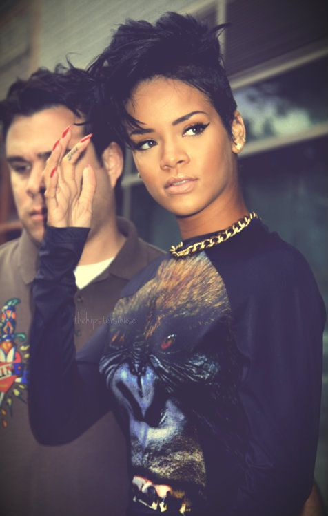 Phenomenal 1000 Ideas About Rihanna Short Haircut On Pinterest Black Bob Short Hairstyles Gunalazisus