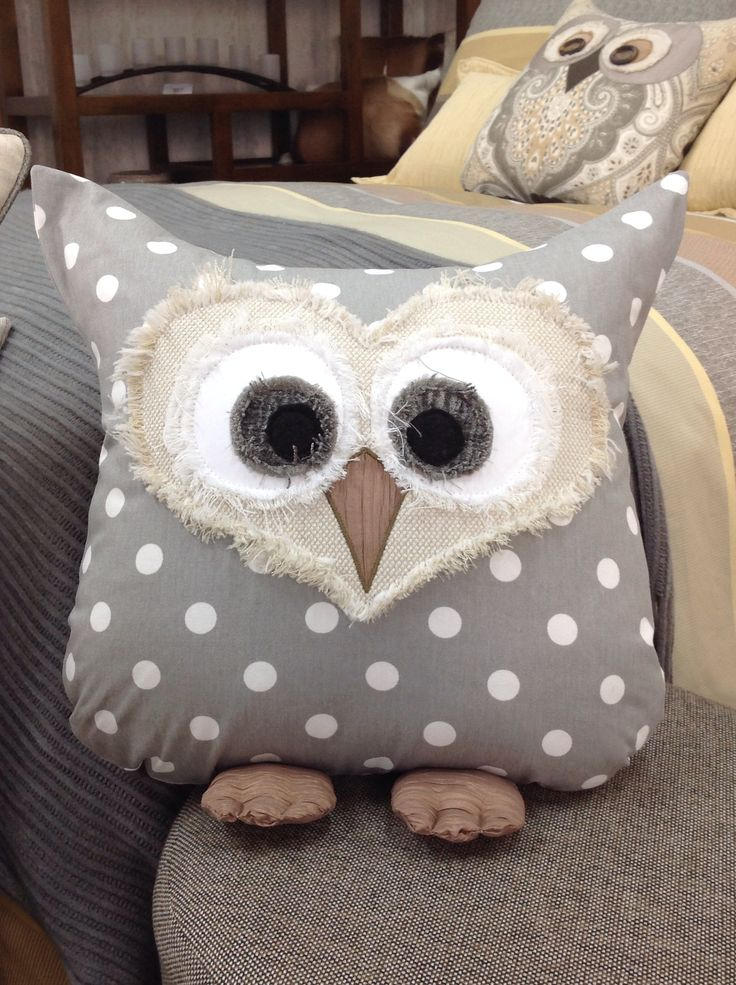 Owl pillow Création de Janie St-Pierre pour Ambiance d'Aujourd'hui...creative inspiration!