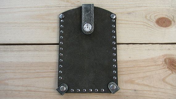 Handmade leather phone case by Retrologic https://www.etsy.com/listing/199993272/handmade-leather-phone-case?ref=shop_home_active_9