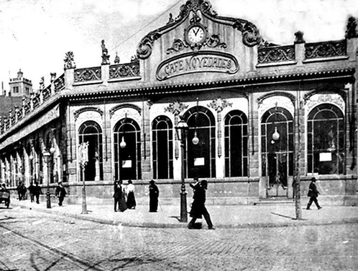 Barcelona, cafè Novedades Pg de Gràcia amb c/Casp, sobre 1910.