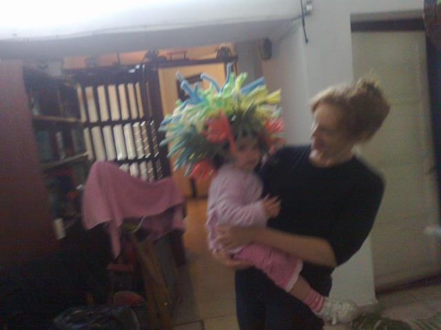 any y su sombrero
