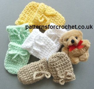 Free crochet pattern for 3-6 month mittens http://patternsforcrochet.co.uk/3-6-month-baby-mitts-usa.html #patternsforcrochet