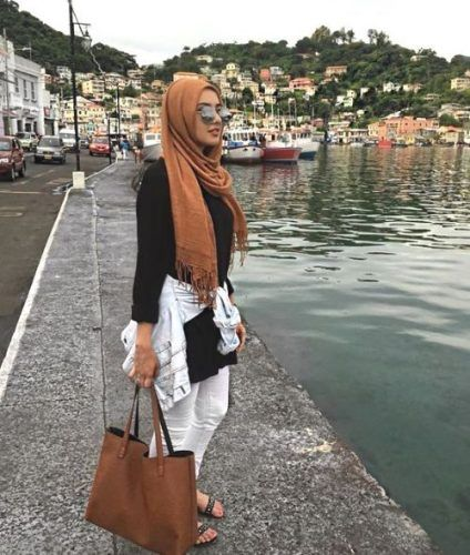 black with tan hijab outfit- Cute hijab for teens…