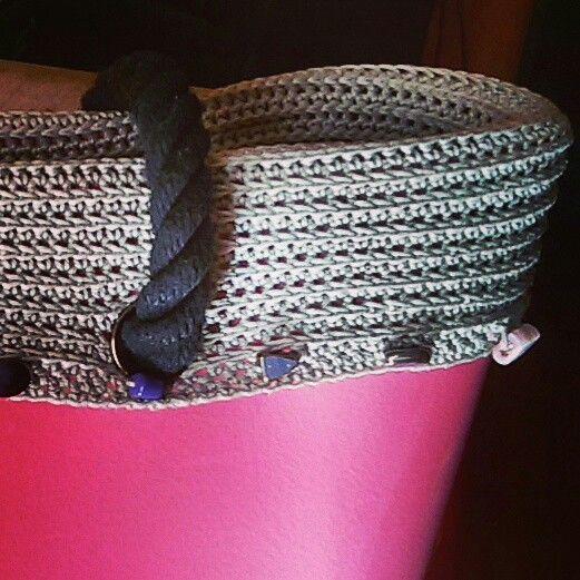 Hai una borsa un po ' modaiola e non la senti tua? Personalizzala con un bordo all'uncinetto, presto un tutorial su www.tintarelladilana.it  #uncinetto #crochet #crochetaddict #fattoamanoconamore #handmadewithlove #crochetlove #cotone #cotton #perline #pietre #borsa #bag #diy #Imademyaccessories #accessories#diyideas #diystyle