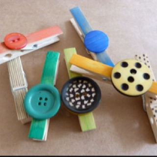 Button wooden pegs