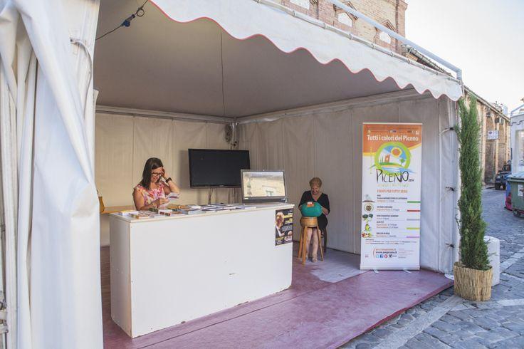 Laboratorio del merletto a tombolo di Offida a Ciborghi - Festival delle cucine regionali dei Borghi più belli d'Italia