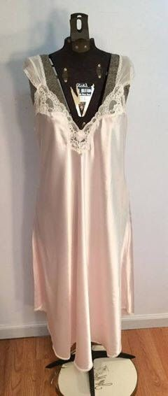 Miss Elaine Me 2 pink negligee lace chiffon size medium wedding honeymoon bridal shower gift by Vintageroyaleny on Etsy https://www.etsy.com/listing/514404266/miss-elaine-me-2-pink-negligee-lace