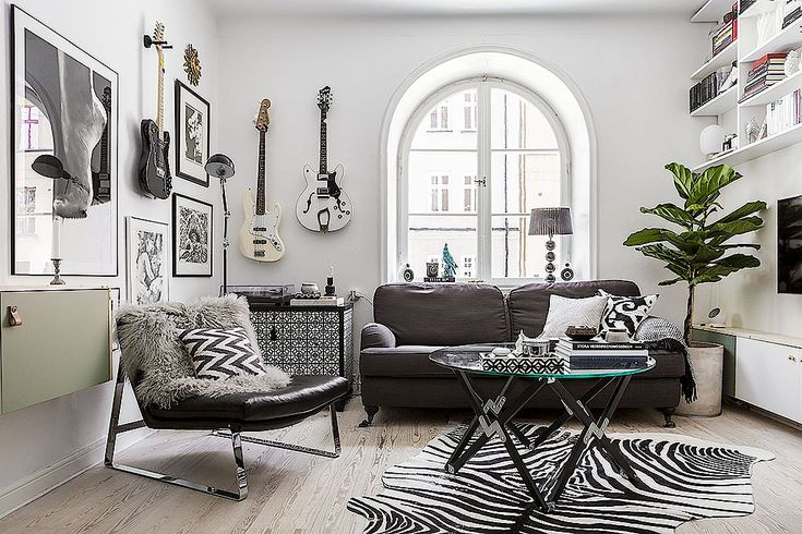 http://gravityhome.tumblr.com/post/145708686268/a-rocking-small-apartment-in-stockholm-floorplan