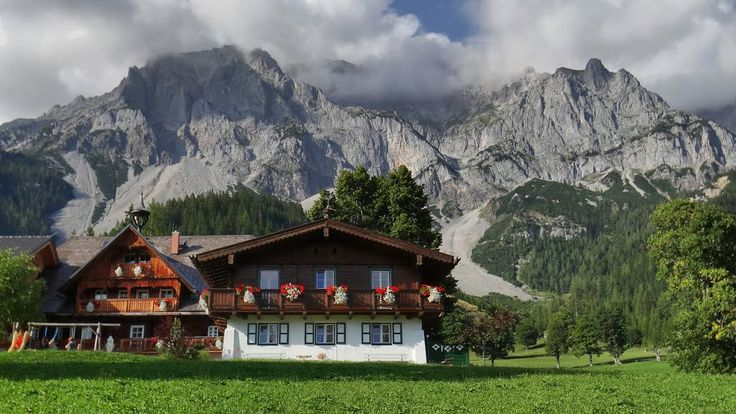 Charming houses (with magnificent backdrop) in Ramsau am Dachstein, Styria, Austria