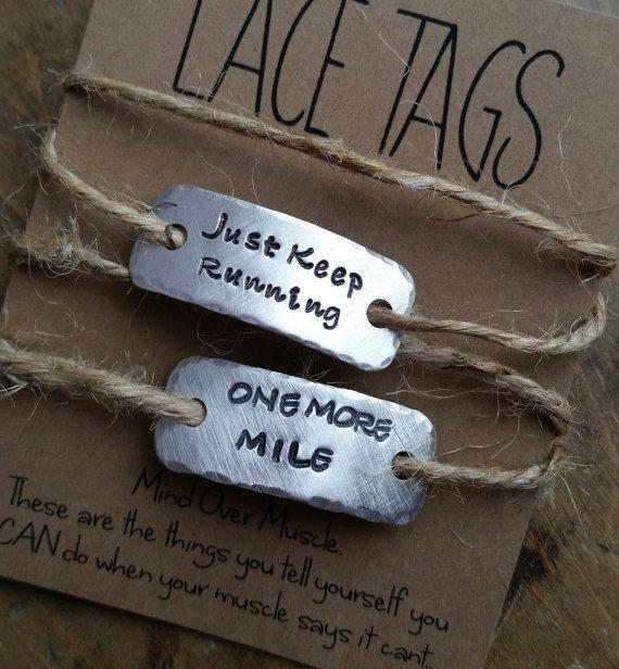 gepersonaliseerde Sportschoen tags SINGLE of van honeyverse op Etsy