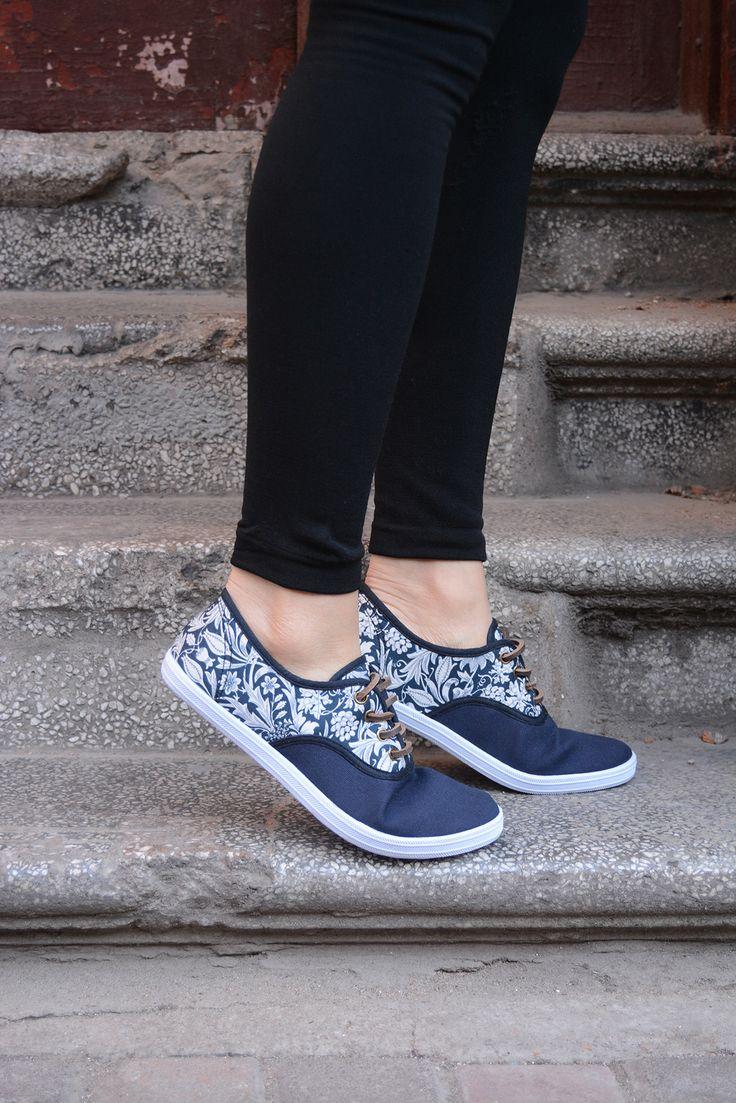 Floral Canvas shoes / leather laces