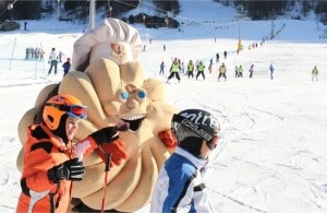 La Baciomania di Alassio contagia le piste da sci di Aprica – Valtellina.