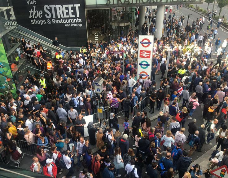 BREAKING: Westfield shopping centre evacuated - witnesses report 'manic' scenes - http://buzznews.co.uk/breaking-westfield-shopping-centre-evacuated-witnesses-report-manic-scenes -