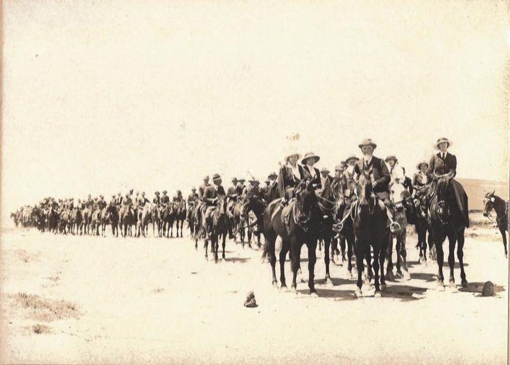 Generaal Christiaan R de Wet saam met ander Rebelle - Rebellie 1914.