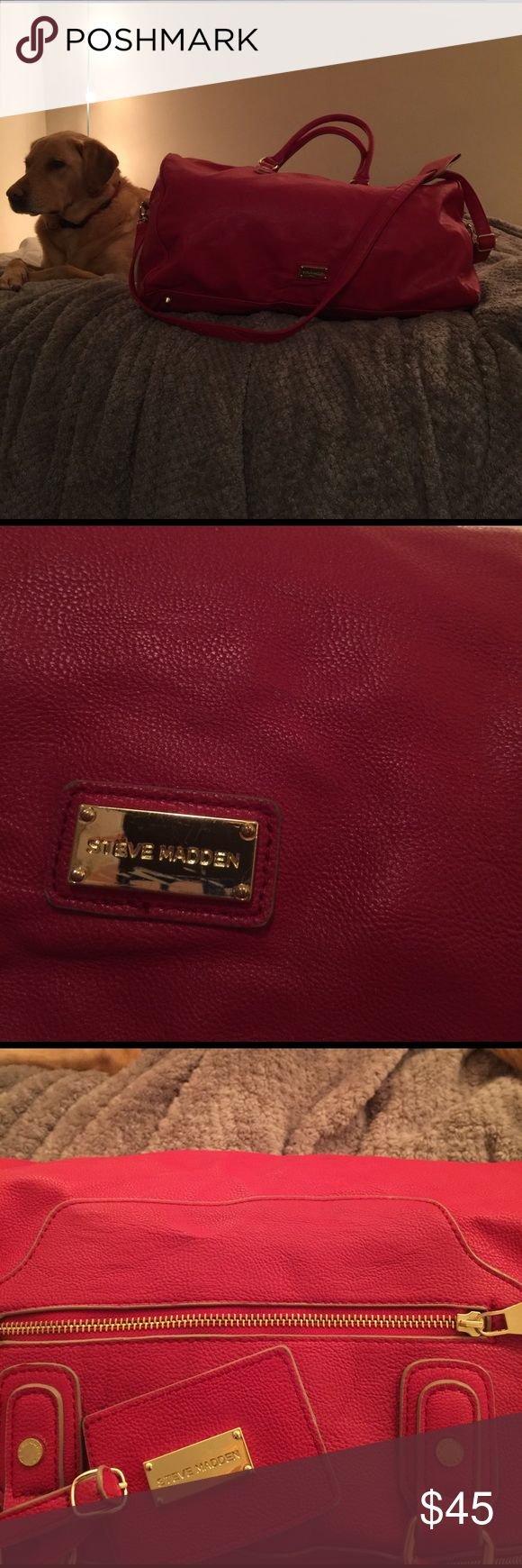 Steve Madden Leather Weekender Bag Steve Madden red leather weekender bag. Size large. One outer zipper pocket with luggage tag. One inner zipper pocket and two open pockets. Hand carry and shoulder carry that is adjustable. Steve Madden Bags Travel Bags