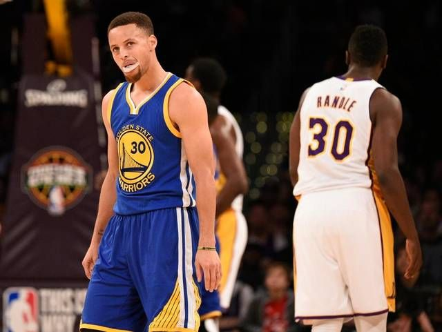 Chasing the Bulls' record: Warriors' cold shooting...: Chasing the Bulls' record: Warriors' cold shooting costly in loss to Lakers… #Lakers