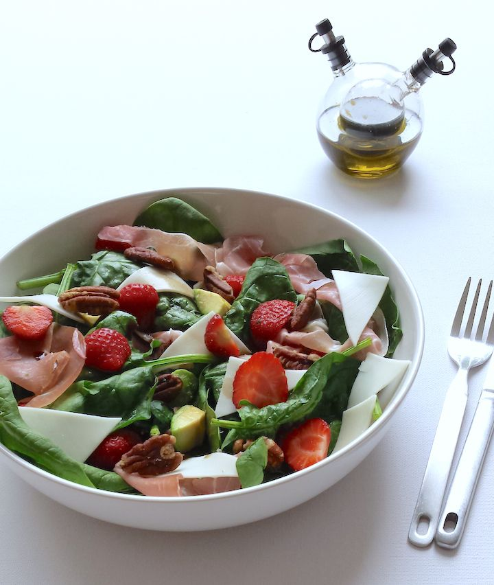 Geitenkaas salade met aardbeien