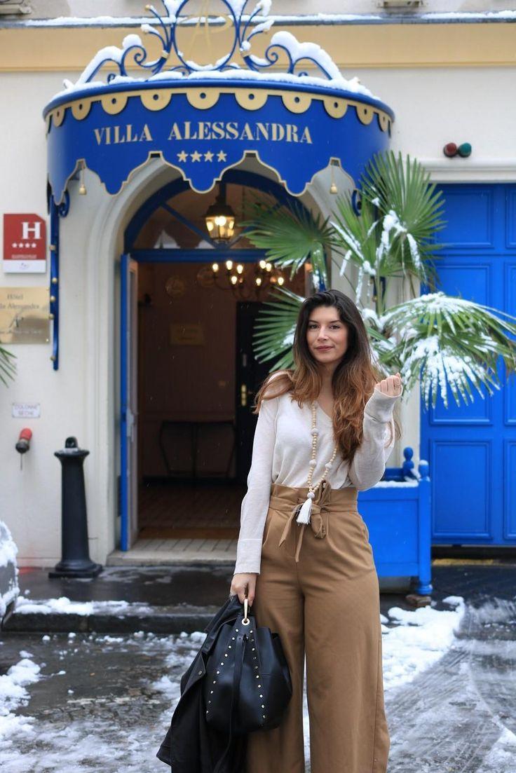 Je ne suis pas la reine des neiges mais la reine de la jupe-culotte ! Je vus propose un look shooté sous la neige et devant un sublime hôtel parisien !