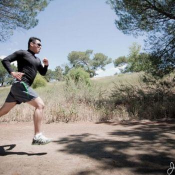 Jeśli masz za sobą start w maratonie, zapewne myślisz o biegach na innych dystansach. Bieganie z sukcesem na krótszych dystansach nie bazuje jednak tylko na przemianach tlenowych.