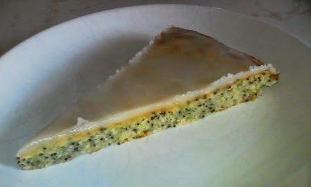 Hobbylka: Cuketový koláč s mákem a svěží citronovou polevou