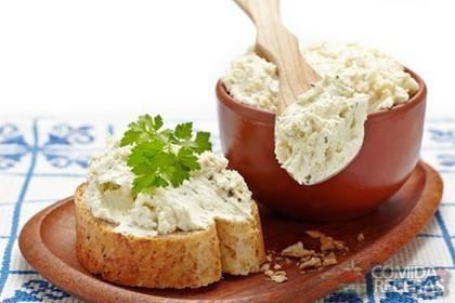 Receita de Pasta de ricota com alho e ervas em receitas de salgados, veja essa e outras receitas aqui!