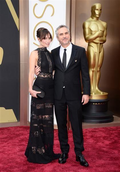 #AlfonsoCuarón y #SheherazadeGoldsmith en la alfombra roja. Encuentra más famosos aquí: http://on-msn.com/1kLjS2T