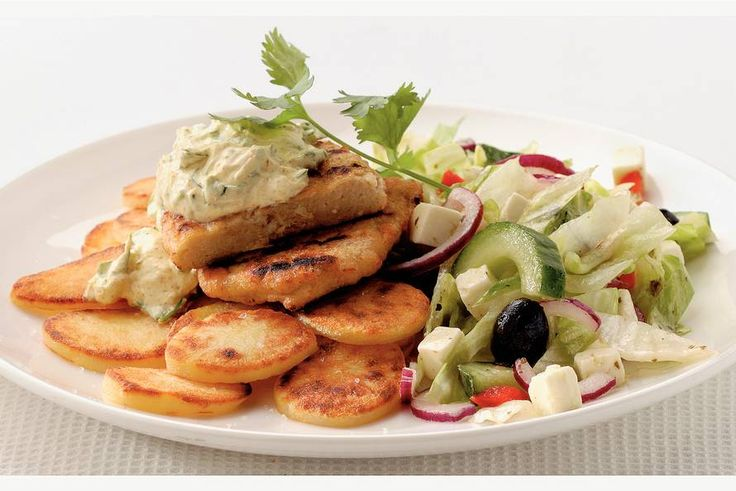 Kijk wat een lekker recept ik heb gevonden op Allerhande! Vegetarische filet met Griekse saus