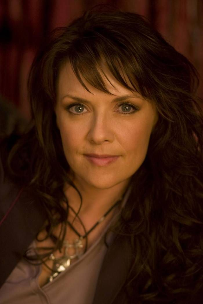 Amanda Tapping Hot Pictures Which Will Make You Think