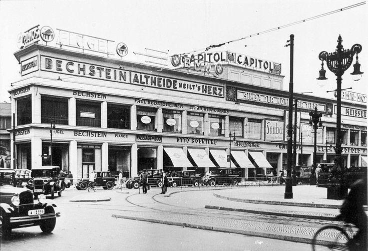 1928 Der Richtung Osten errichtete Komplex mit dem Capitol