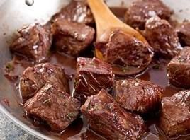 Beef Tips In Red Wine Sauce Recipe | Just A Pinch Recipes