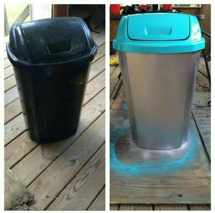 Lixeira de plástico antes e depois de uma boa pintura.